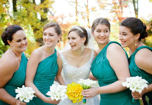 Uh oh.... I'm kind of obsessed with these colors.... Teal and Yellow Wedding