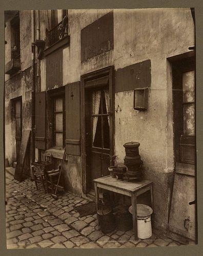 Un coin de la cite Dore - boulevard de la Gare 90 (13e arr) - Eugène Atget