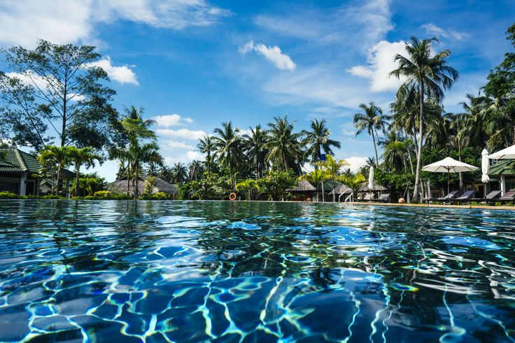 What could be better than submerging yourself in the cold swimming pool on a hot summer day? #famianaresort