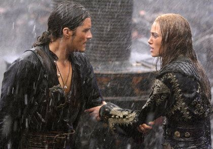 Orlando Bloom as Will Turner and Keira Knightley as Elizabeth Swann in Pirate of the Caribbean: At World's End (2007)