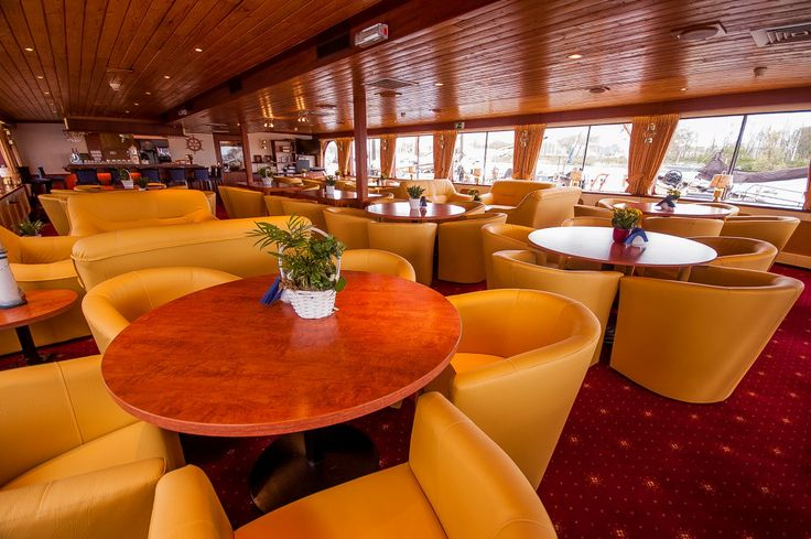Restaurant on board the groupaccommodation ships the MS Andante.