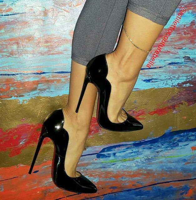 Proper black pumps,  anklet,  and toe cleavage