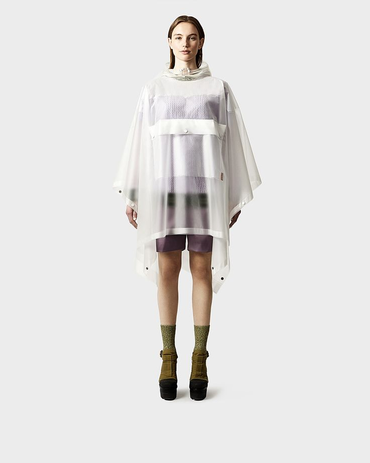 This soft and lightweight unisex poncho is completely waterproof, crafted from polyurethene with welded seams.