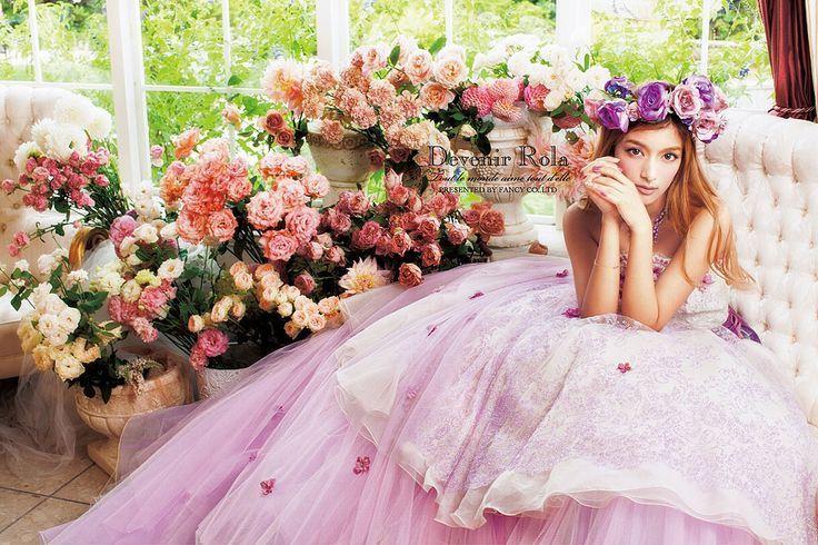 ロマンティックに華やかに♡お花模様が最高に可愛いウェディングドレス♡にて紹介している画像