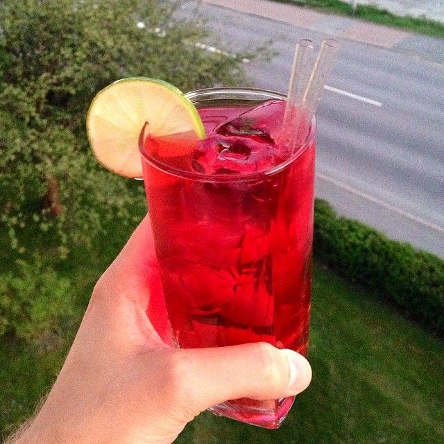 Cape Cod Drinkrecept på Drinkoteket.se. Här hittar du en mängd recept på enkla och goda drinkar och cocktails online. Välkommen in!