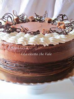 Mud cake al gianduia, cioccolato bianco e pralinato alle mandorle e nocciole   La ricetta che Vale