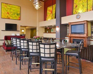Hampton Inn and Suites Springboro Dayton Area South Hotel, OH - Lobby Dining Seating