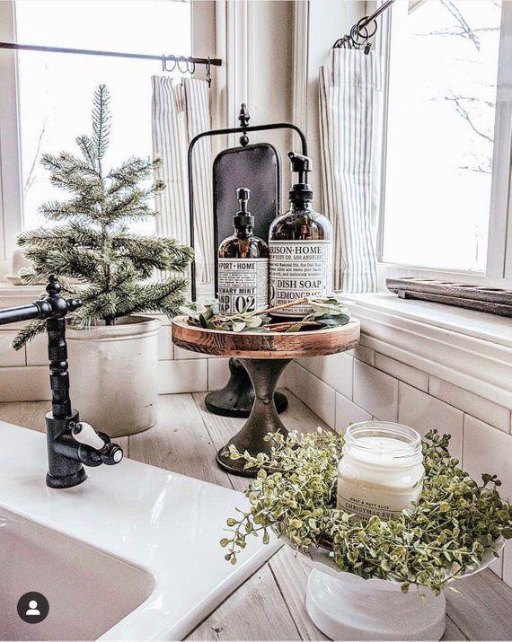 Schöner tickender gestreifter Café-Vorhang für Ihr perfektes Bauernhaus oder nautisches Dekor der Küche, des Badezimmers, des Esszimmers