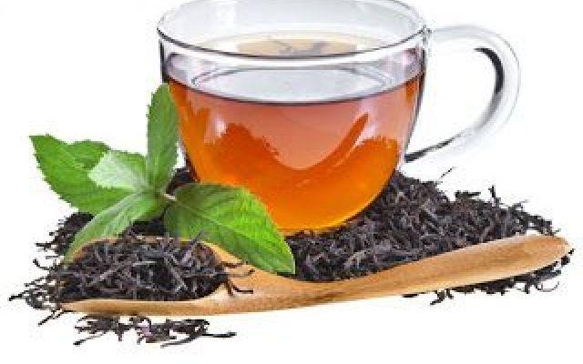 Il tè nero...e i suoi benefici... Il più conosciuto e amato tra gli infusi è senza dubbio il tè nero: un tipo di tè composto dalle fog alimenti tè nero
