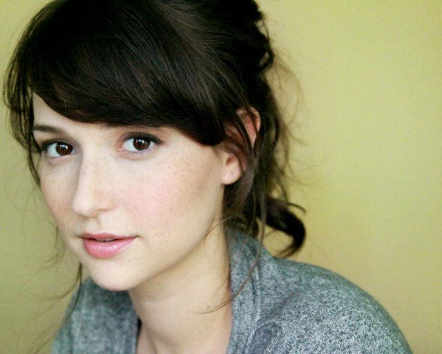 "Milana Vayntrub  Overview (1) Height	5' 3"" (1.6 m) Mini Bio (1) Milana Vayntrub is known for her work on L!fe Happens (2011), Junk (2012) and CollegeHumor Originals (2006). Trivia (2) From Uzbekistan. She appeared as the saleswoman Lily Adams in the AT&T commercials."