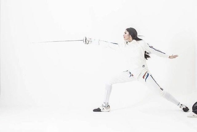 Fencer: @montseviverosm (Paraguay)  #fencingposts #fencingtime #fencing #esgrima #epee #fencinggirl #lovefencing #escrime #fitgirl #womensfencing #fencers #esgrima #espada #fencerlove #fencinglove #moment #fitness #strongwomen #stronggirl #paraguay #latinas