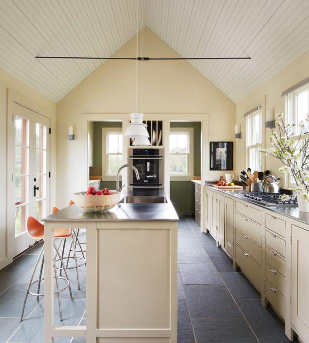 Les 25 meilleures id es concernant plafonds cath drale sur pinterest plans - Toit cathedrale maison ...