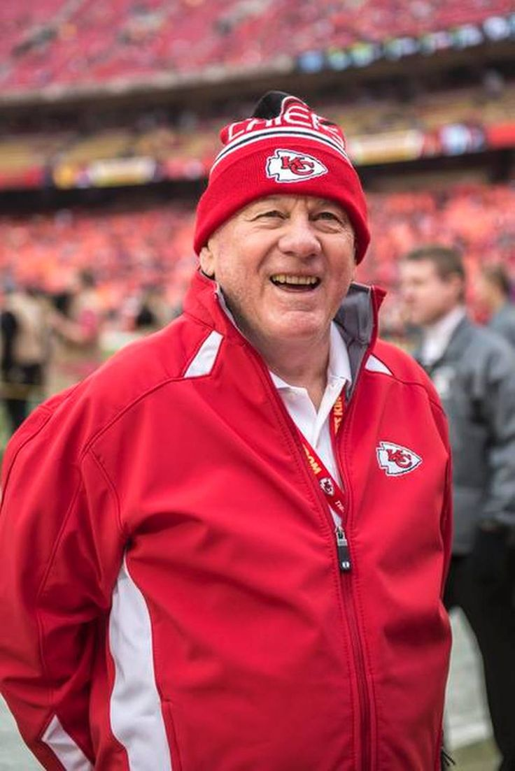 Kansas City Chiefs Hall of Fame quarterback Len Dawson smiled before NFL action against the Oakland Raiders on December 14, 2014 at Arrowhead Stadium in Kansas City, Mo. The Chiefs won 31-13.