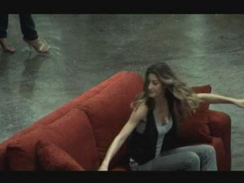 Gisele Bundchen flashmob at Sao Paulo airport