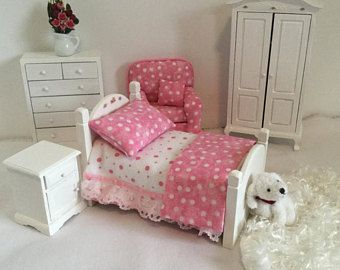 Sweet and Simple Pink Dollhouse Bed 1:12 Scale
