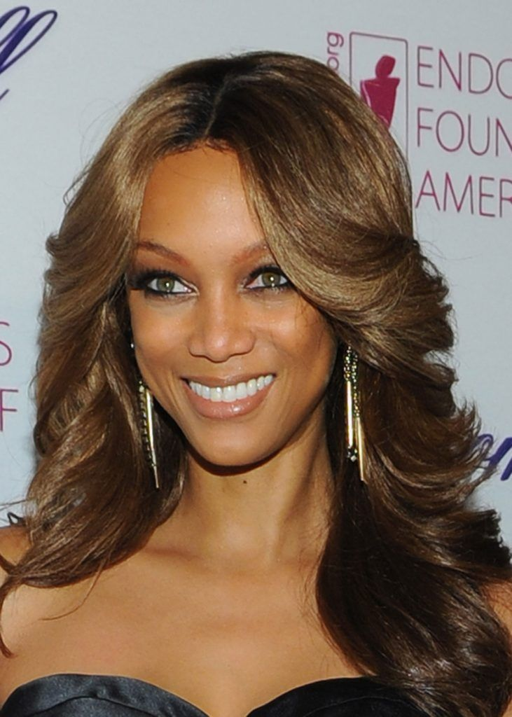 Tyra Banks Hairstyles Hairstylo Feathered Hairstyles Long Hair Styles Womens Hairstyles