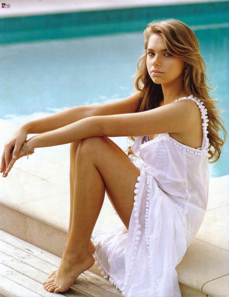 Indiana Evans is the singer in the 3rd season of H20: Just add Water, No Ordinary Girl.