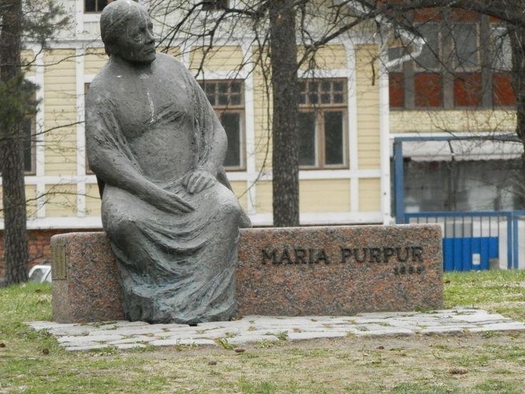 Памятник Марии Пурпур