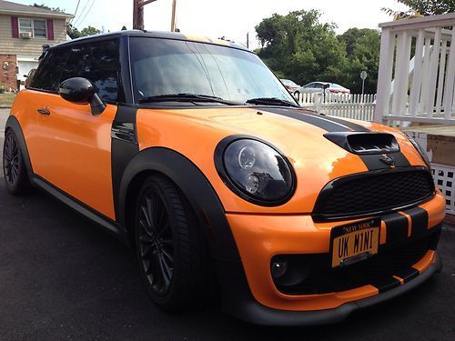2011 CUSTOM MINI COOPER...front view #MINI #MiniCooper #Rvinyl ============================= http://www.rvinyl.com/MINI-Accessories.html More