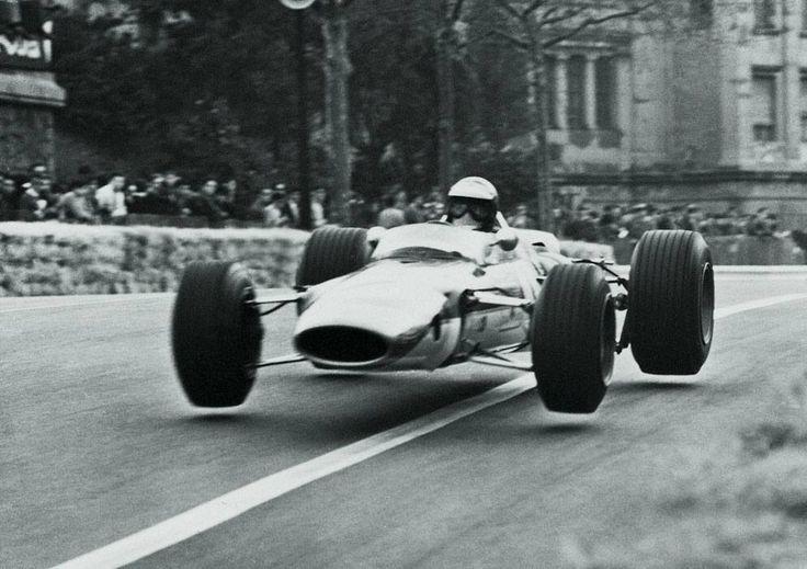 Jim Clark (Lotus-Ford 48) Grand Prix de Barcelone, Formule 2, Montjuïc 1968 - UK Racing History.