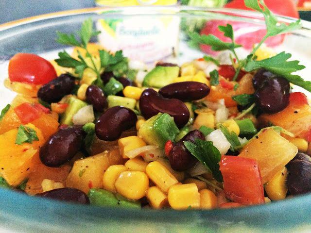 Sałatka z kukurydzą i czerwoną fasolą