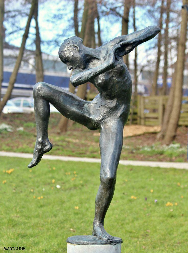 Bronzen Danseres Eddy Roos Wilhelminapark Zoetermeer