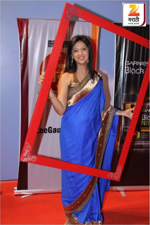 Janhavi from #honaarsunmee #bluesaree #redcarpet