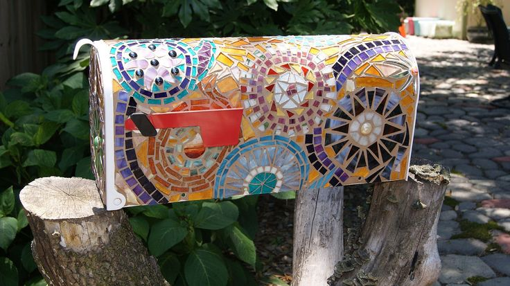 Paisley Mosaic Mailbox FREE SHIPPING. $200.00, via Etsy. So, not paying 200 buckaroos for this. Going to attempt to make it!!