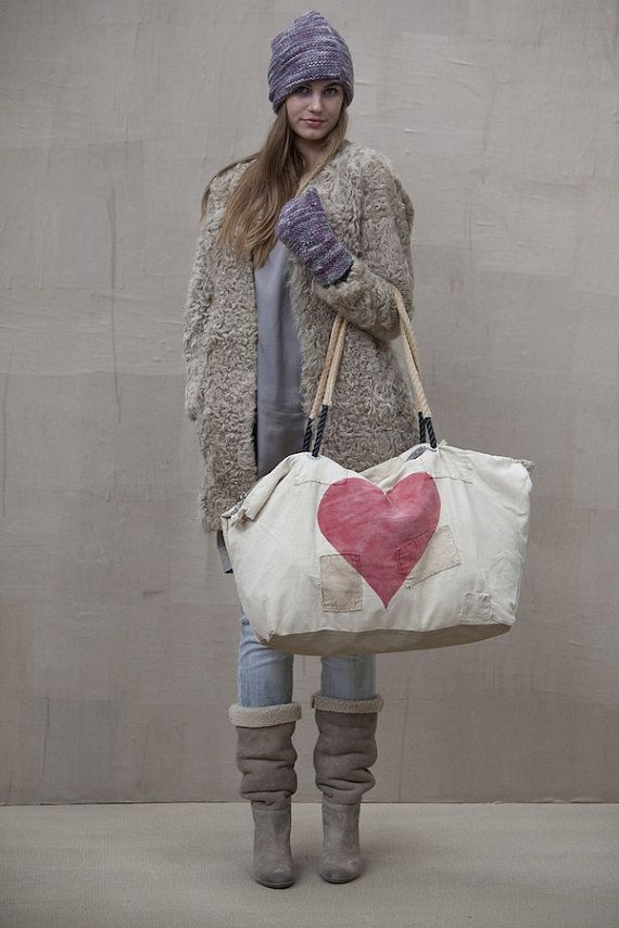 Ali Lamu Weekend Bag HEART by PhilosophieBySophie on Etsy, €179.00