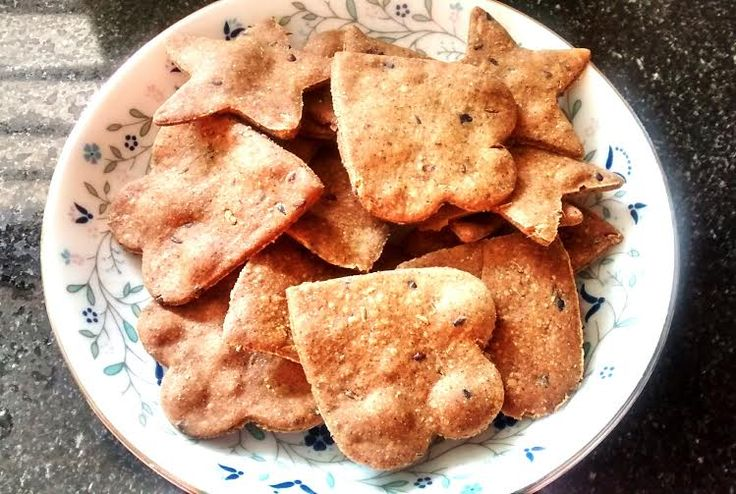 Multigrain Crackers are healthy and delicious snack which tastes superb with your favourite beverage!