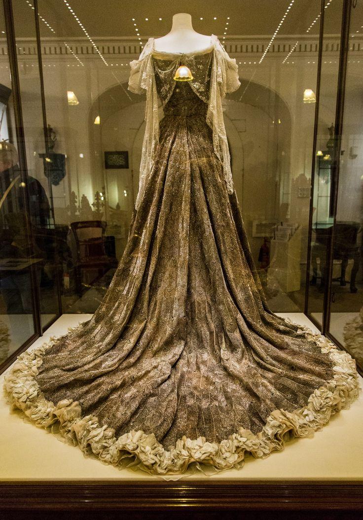 Lady Curzon S Dress For The Coronation Durbar In Delhi