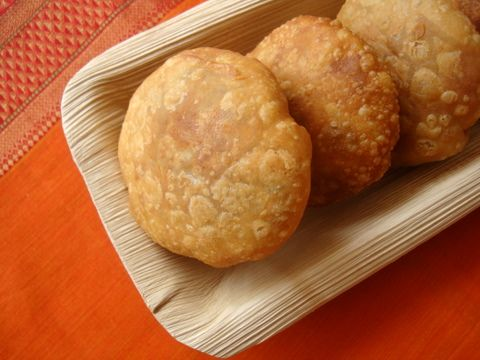 Khasta Kachori (Chaat) - Small, crisp, golden puri, stuffed with a dry, spiced filling is how I'd describe a Kachori that has its origins in Rajasthan.