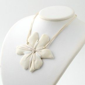 Vetrofuso by Daniela Poletti necklace white Hibiscus flower