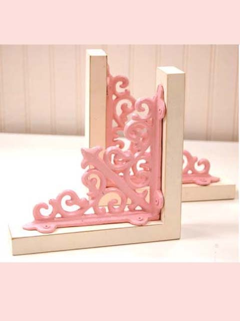 I could totally make these book ends but in sea foam bluish green, not pink.