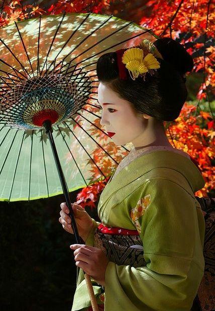 Geisha/maiko.