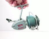 http://www.etsy.com/treasury/MTAzOTQ2MDd8MjcyMTEyMTQ4OQ/vintage-gifts-in-mint-conditionVintage Heddon 220 R Ocean And Freshwater Fishing Reel