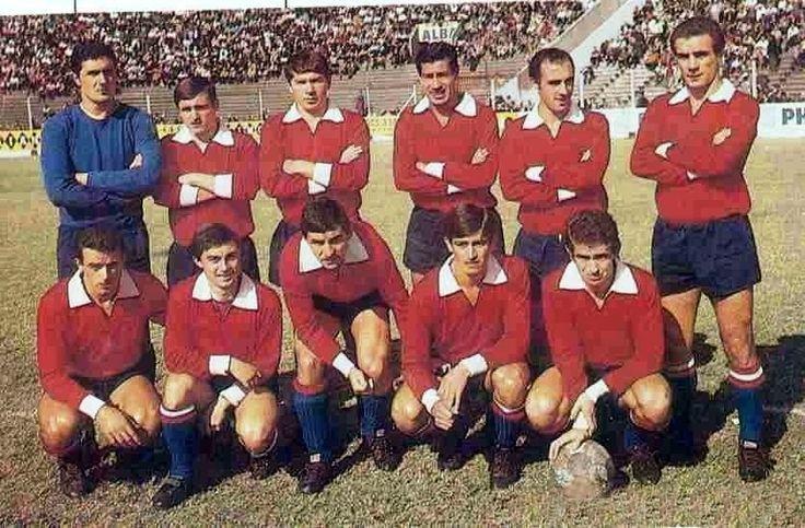 1968 Independiente de Avellaneda - Arriba: Santoro, Mircoli, Monges, Acevedo, Pavoni, Pastoriza - Agachados: Bernao, Mura, Artime, Yazalde, Tarabini