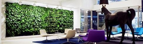 Painel de Plantas: Gardens Ideas, Green Interiors, Living Wall, Green Wall, Interiors Design, Vertical Gardens, Gardens Wall, Gardens Design, Wall Gardens