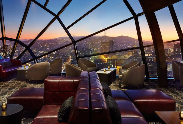 This Lounge Has the Best Views of Any Bar in San Francisco