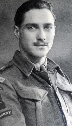 Richard Todd (1919 - 2009), Irish born English film actor on war-time service during WW2.