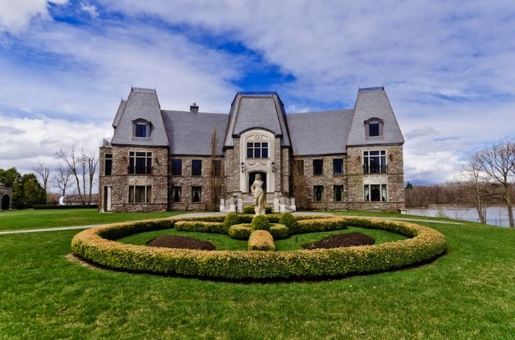 Celion Dion's other home built with husband/manager Rene Angelil is a custom stone mansion that is located on a private island measuring over 830,000 square feet in Montreal, Canada. You can have it for almost $30 Million. #celebrityhomes #celebrity #CelineDion