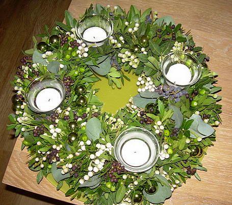 Adventskransen door leden gemaakt - Info over advent - adventskrans maken adventsstuk