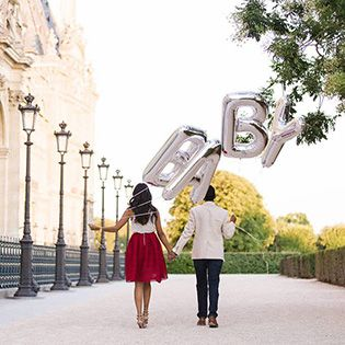 One couple took advantage of their travels to Paris to create a beautiful pregnancy announcement and post it to YouTube. #pregnancyannouncement #paris #whattoexpect | whattoexpect.com