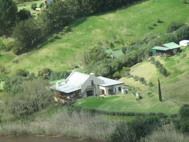 Riversong Farm - Kingfisher is a large farmhouse can accommodate up to 10 guests and contains 4 bedrooms, 2 of which are en-suite. The farmhouse is spacious, has high ceilings and old wooden floors throughout and has beautiful ... #weekendgetaways #stilbaai #gardenroute #southafrica