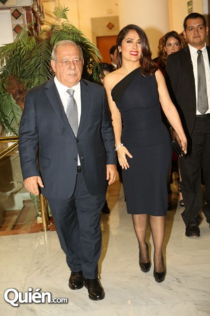 Salma Hayek recibe rec... Salma Hayek Husband Occupation