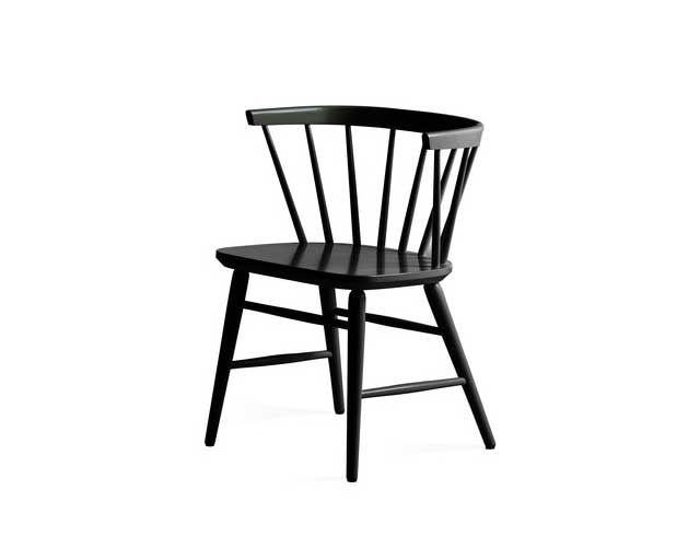 En riktig klassiker som aldrig går ut tiden - stolen Florida nr 143 - som formgavs av Ebbe Wigell på 50-talet. Finns i massiv björk och massiv ek i flera olika ytbehandlingar. Du kan få den med träsits eller klädd i skön sits i äkta fårskinn. Finns också som soffa.