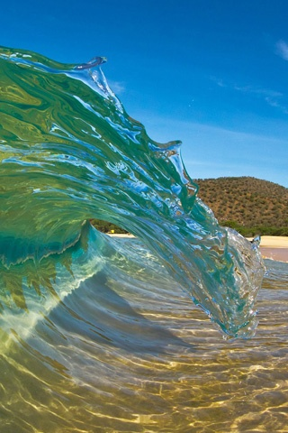 cool see through wave | Phone Wallpapers | Sea waves, Maui ...