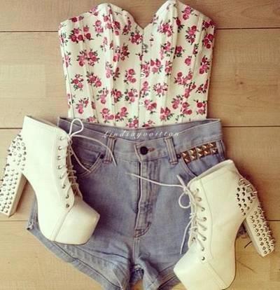 szorty dżinsowe ♥ buty na obcasie ☻ Gorset bluzka bez ramiączek ♥