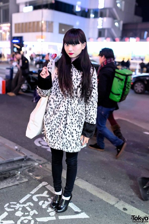 Asami in Harajuku w/ Black Hair & Bangs, Dalmatian Coat & Foxy x Nike Tote - Tokyo Fashion News