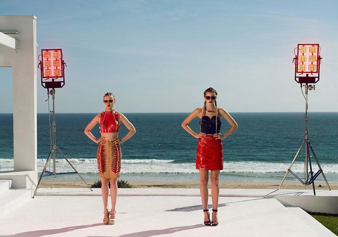 The neon demon (Bella heathcoate and abbey lee)